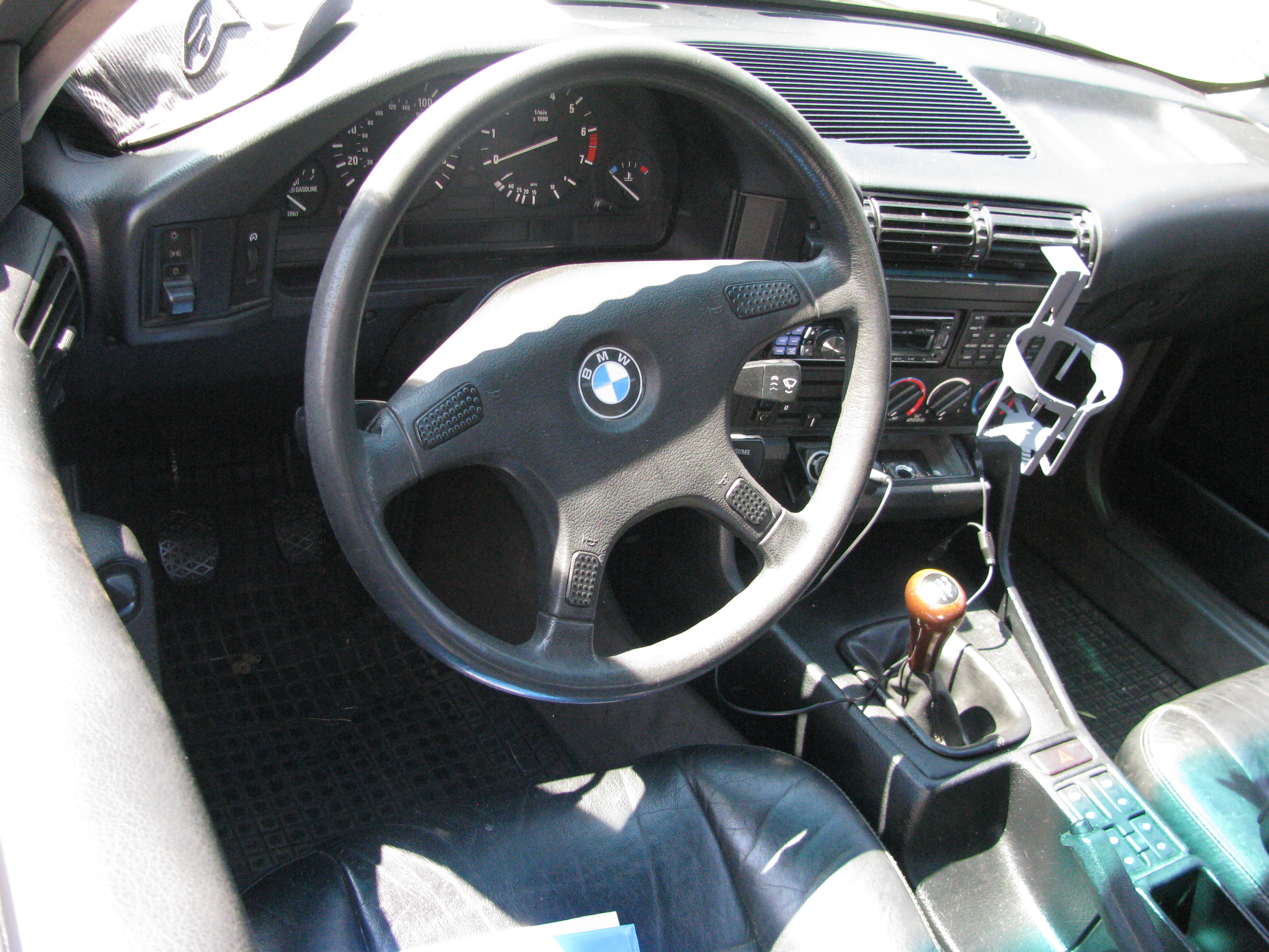 Bmw 525i the crittenden automotive library view photo of 1990 bmw 525i sciox Gallery