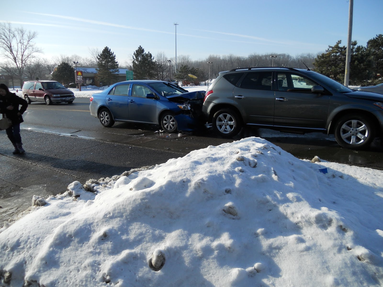 Six-car fender bender in Woodstock - The Crittenden Automotive Library