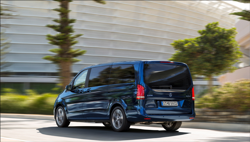 Mercedes benz redefines the mpv the crittenden for Mercedes benz mpv