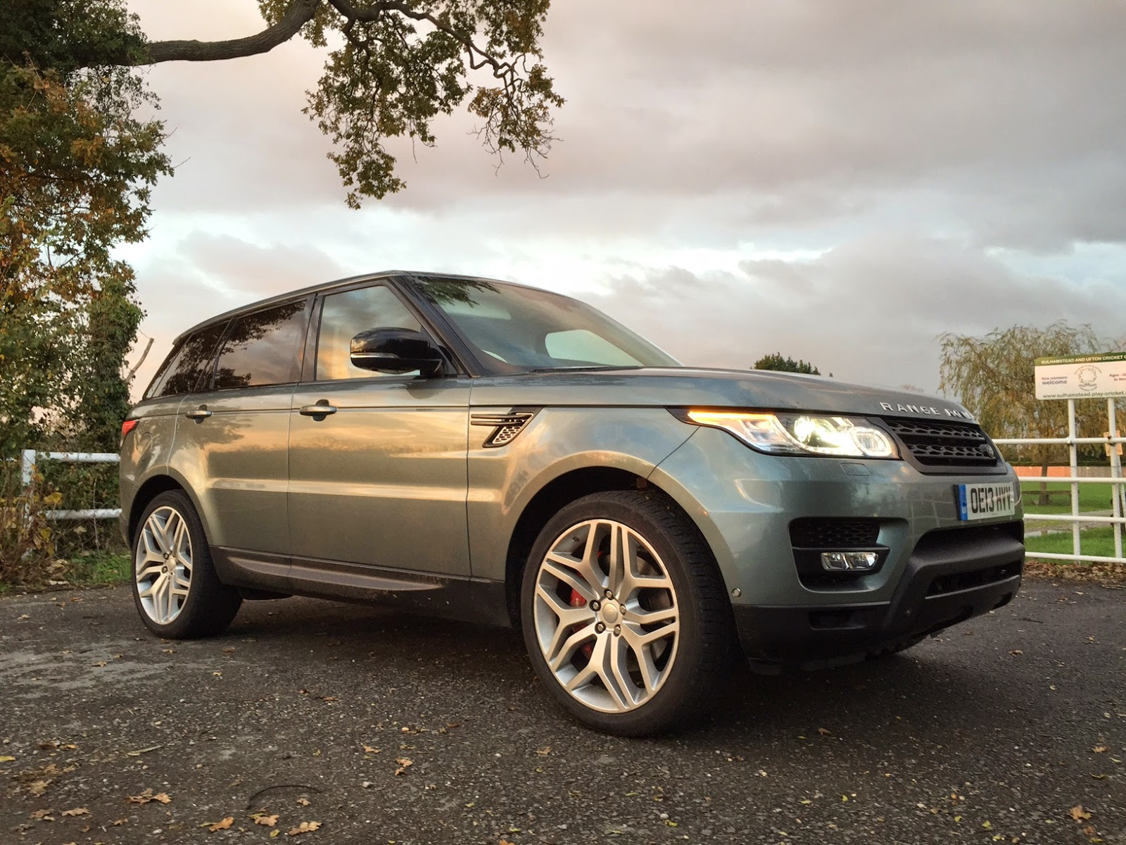2014 range rover sport sdv6 first drive review the crittenden automotive library. Black Bedroom Furniture Sets. Home Design Ideas