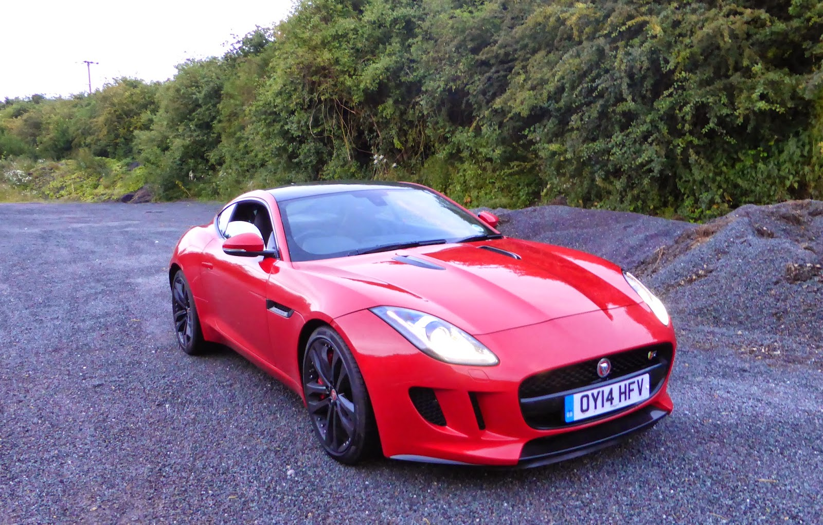 2014 jaguar f type coupe v6 s review the crittenden automotive library. Black Bedroom Furniture Sets. Home Design Ideas