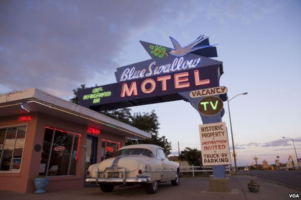 ten must see route 66 attractions the crittenden automotive library. Black Bedroom Furniture Sets. Home Design Ideas