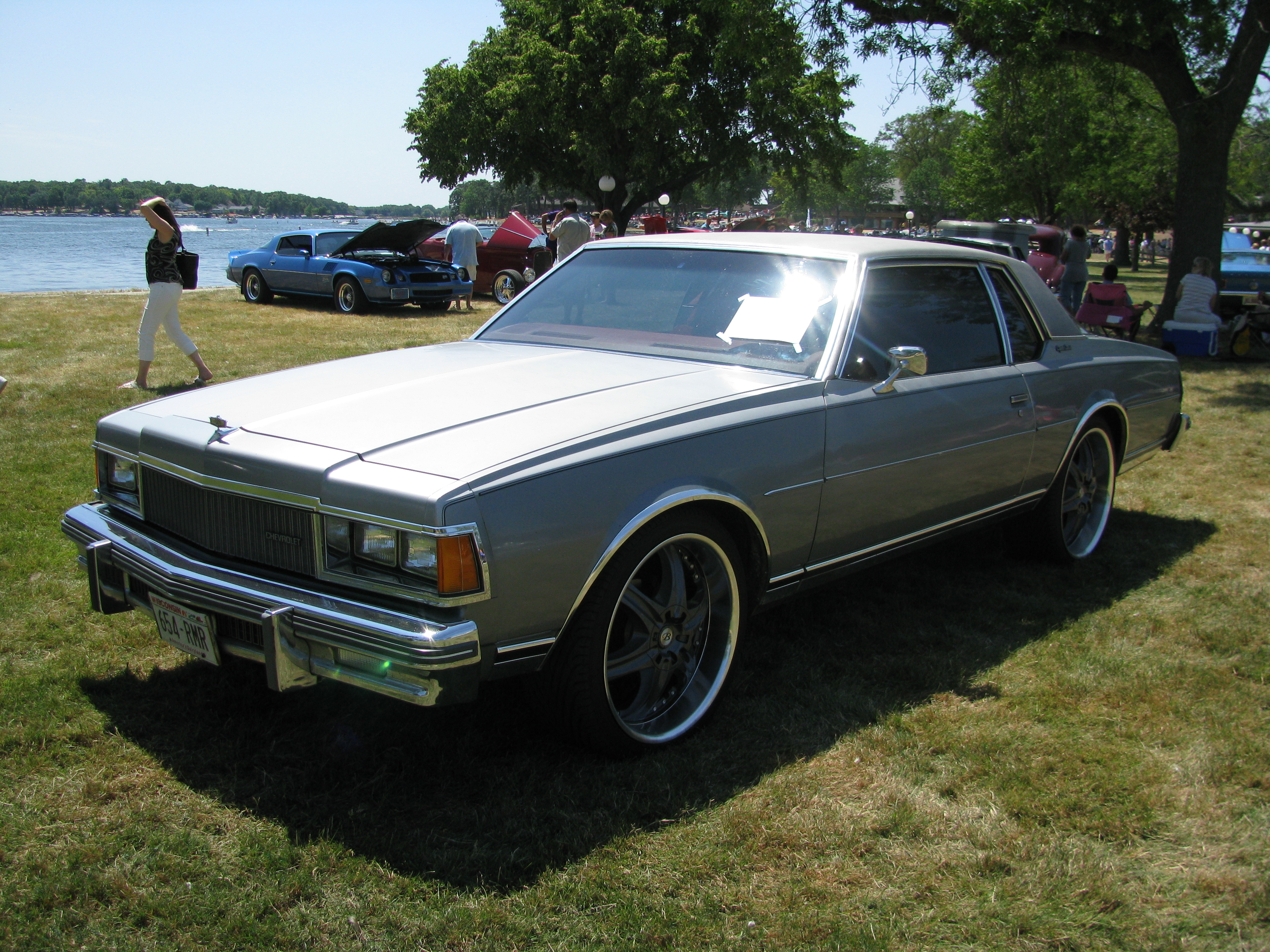 View photo of Modified 1977 Chevrolet Caprice Classic Coupe 3.9MB