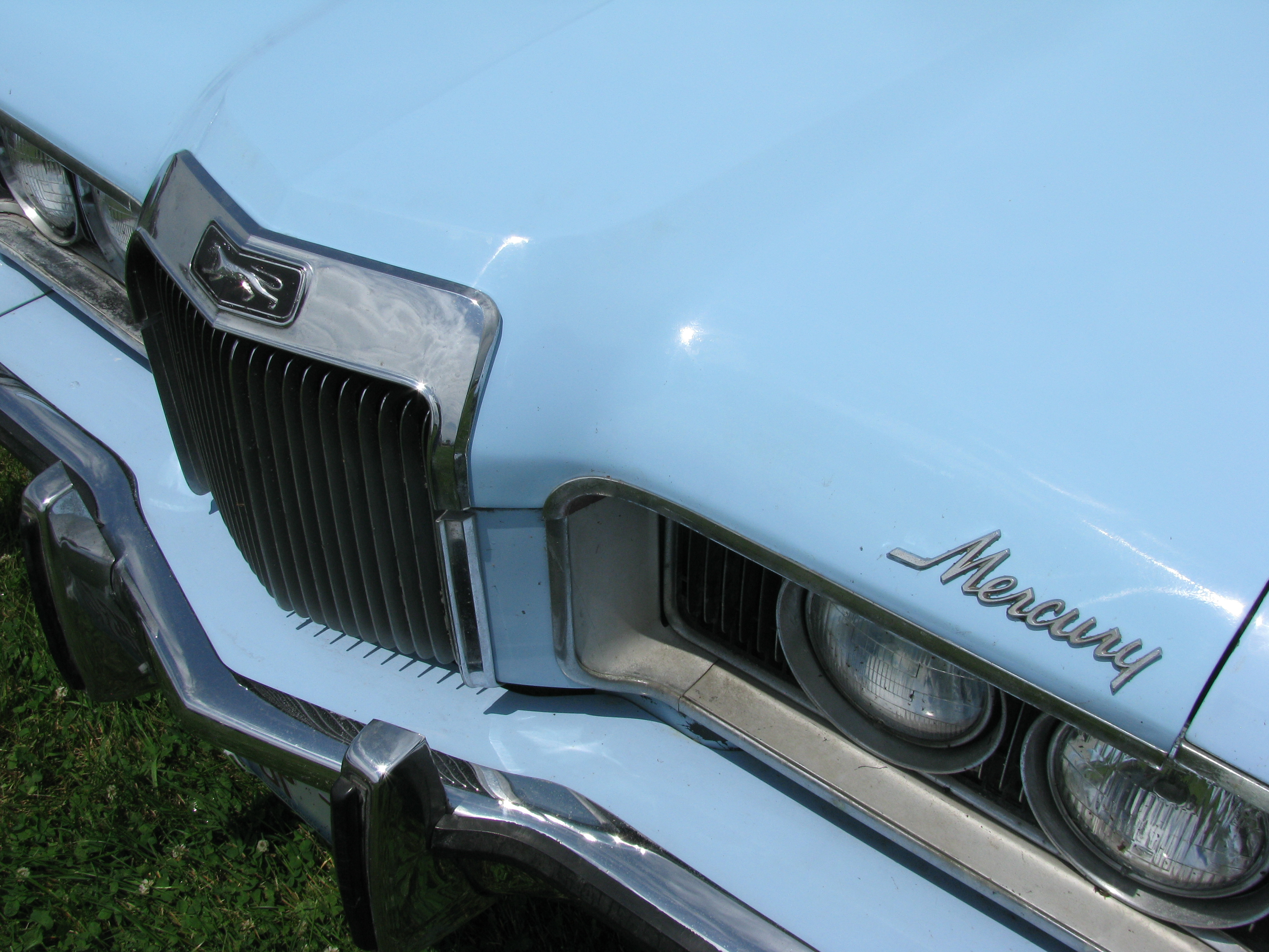 View photo of 1973 Mercury Cougar ...
