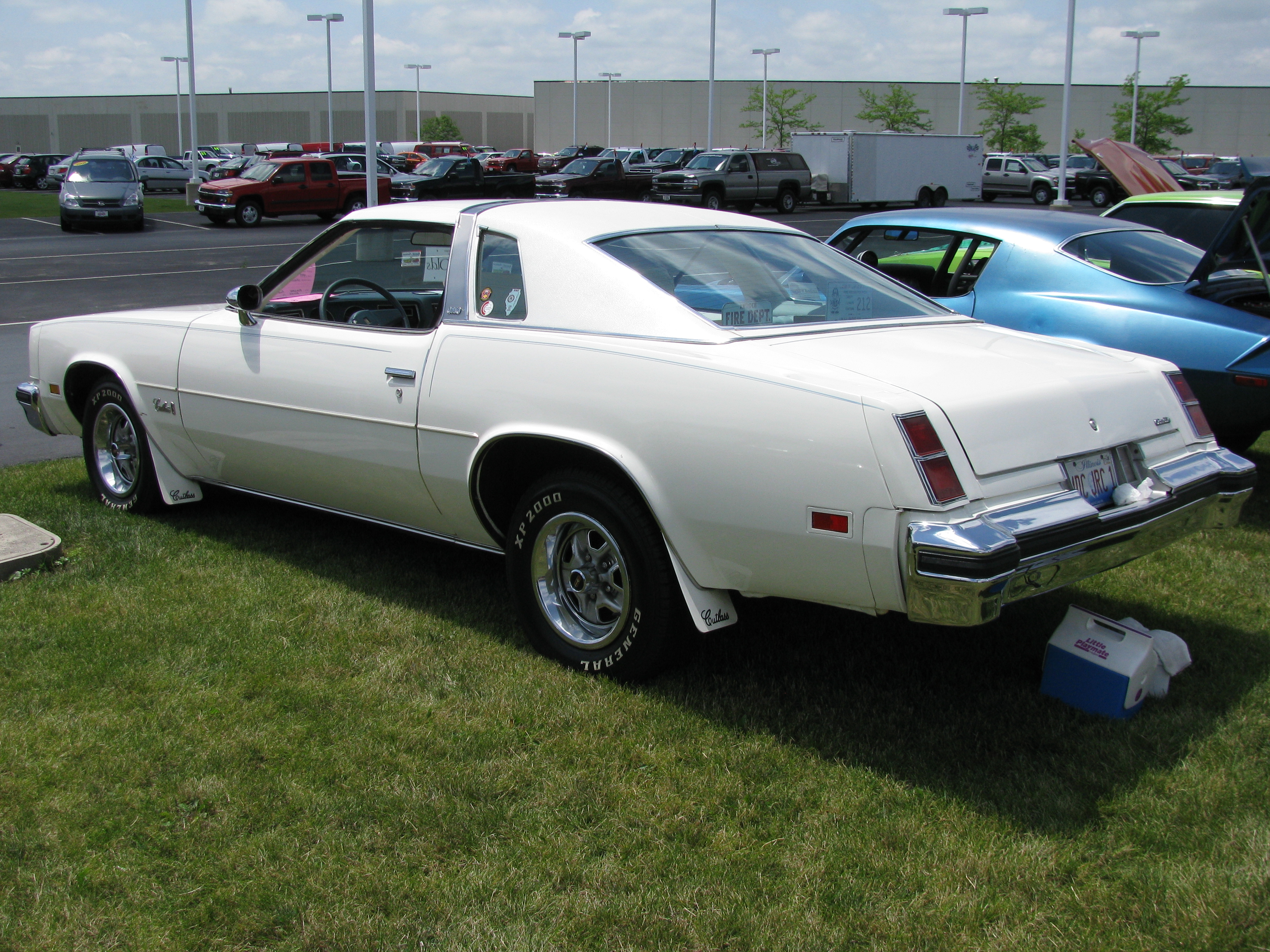 View photo of 1977 Oldsmobile