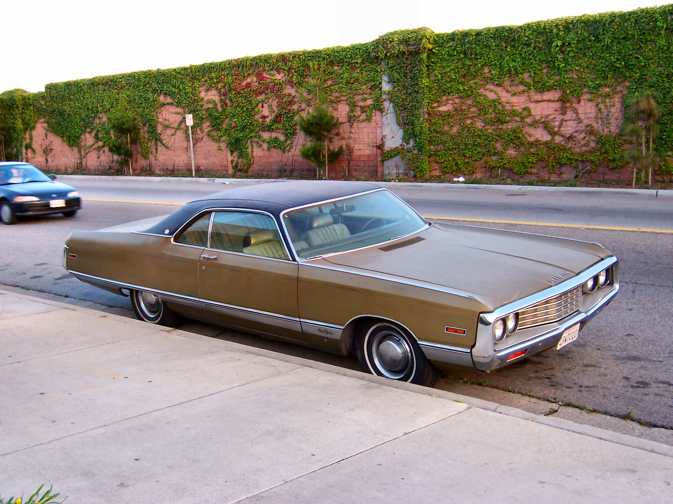 View photo of 1970 Chrysler New Yorker - 701KB