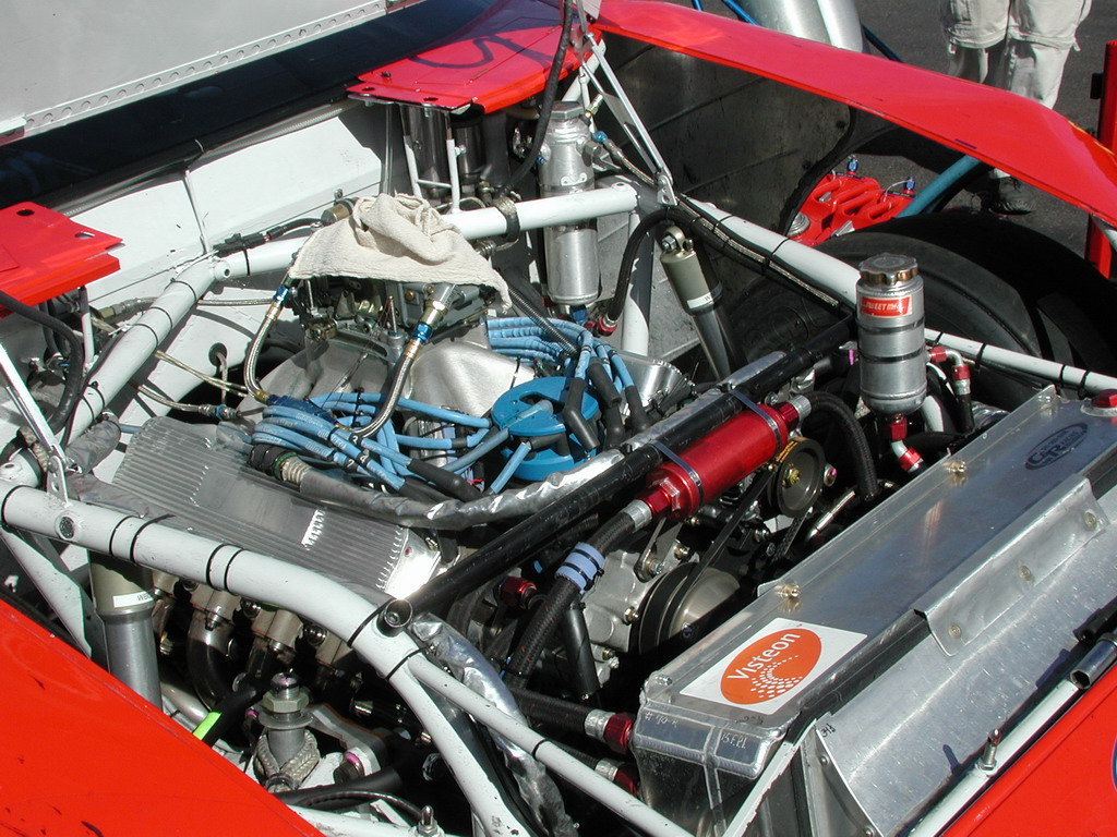 View photo of Ford Taurus NASCAR Engine - 287KB