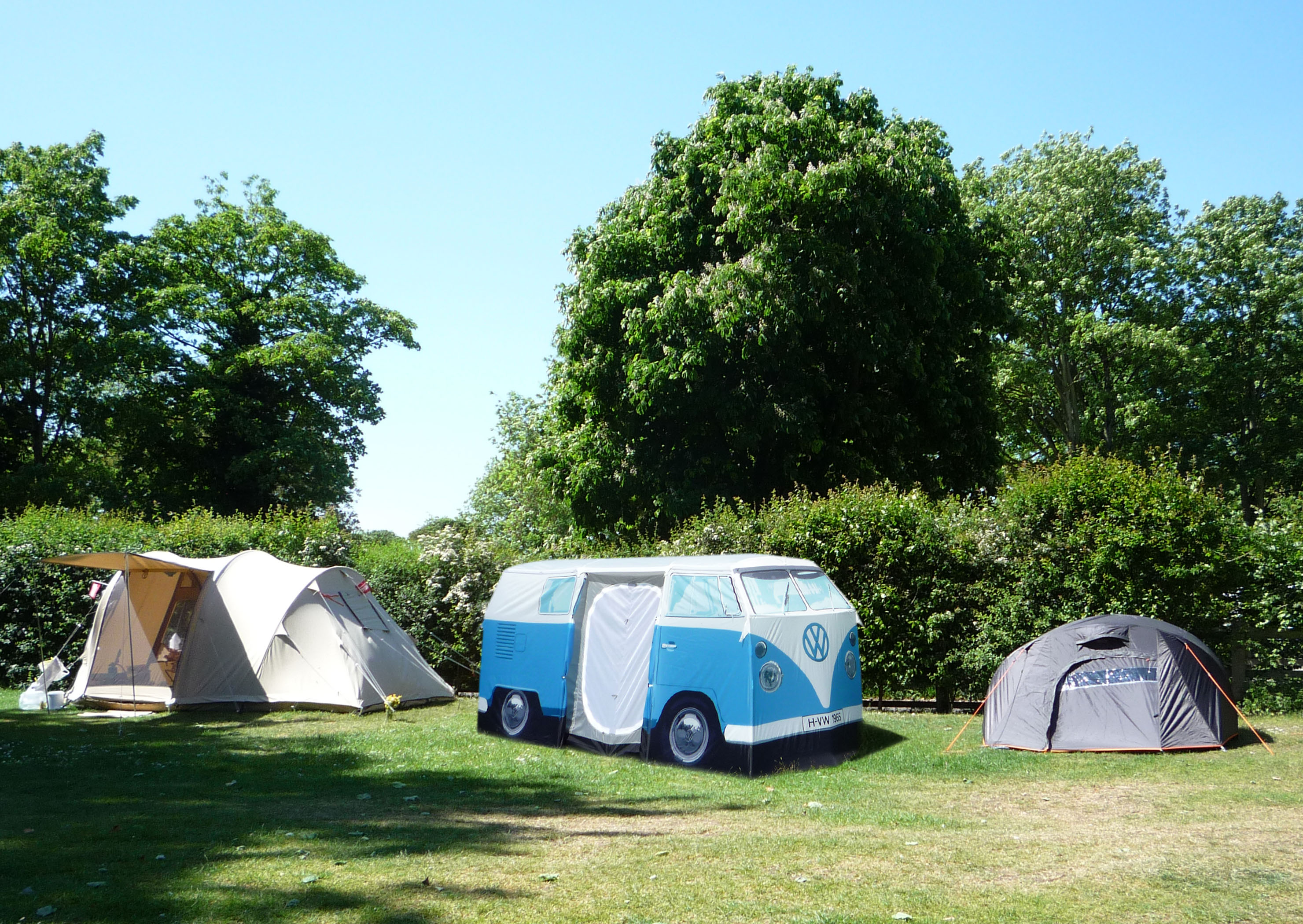 View photo of Volkswagen Type 2 Tent ... & Volkswagen Type 2 - The Crittenden Automotive Library